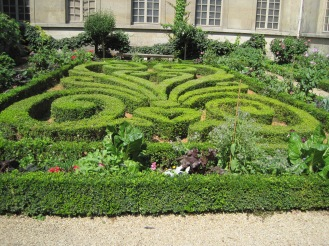 GREEN: Musee Carnivalet - History of Paris Museum