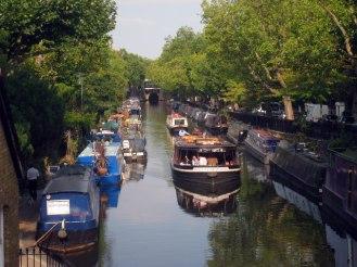 Walk along Regent's Canal