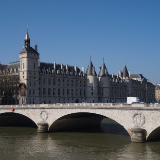Blue memories of the Conciergerie